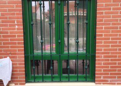 ventana pvc color verde